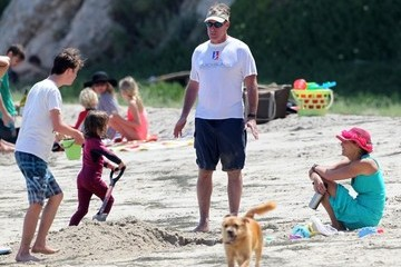 Nichole McGinley Billie McGinley John C. McGinley Spends Mother's Day at the Beach