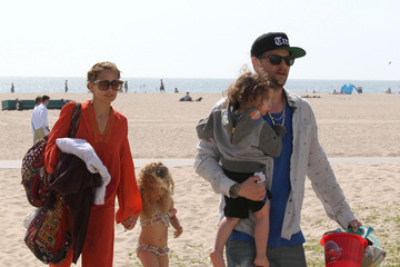 Nicole Richie Sparrow Madden Nicole Richie And Family Spending A Day At The Beach