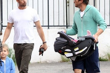 Oliver Hudson Josh Duhamel and Oliver Hudson Meet for Breakfast