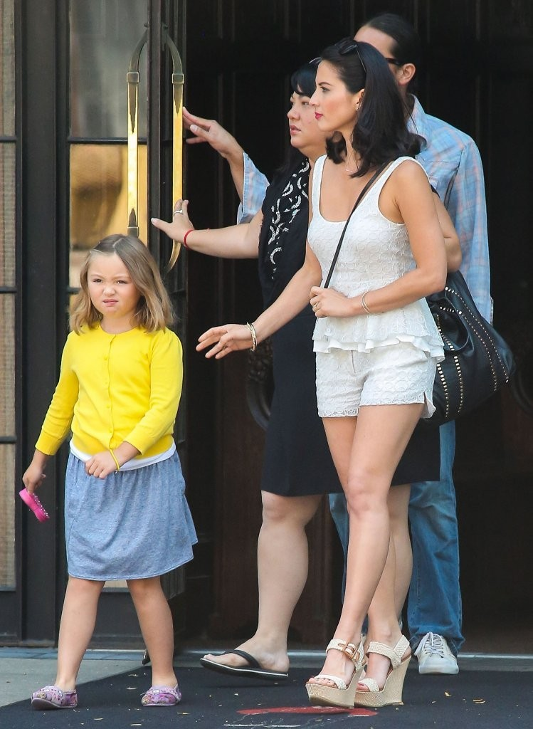 Olivia Munn Spotted with Her Family 4 of 12 - Zimbio