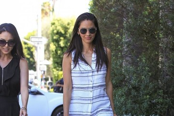 Olivia Munn Olivia Munn Grabs Lunch With a Friend in Beverly Hills