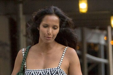 Padma Lakshmi Padma Lakshmi & Her Daughter Walk Through The East Village