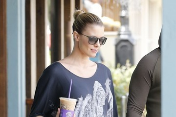 Paige Butcher Eddie Murphy and Pregnant Girlfriend Paige Butcher Stop for Coffee
