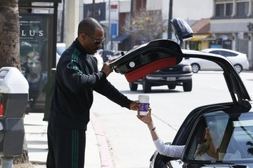Paige Butcher Eddie Murphy & Paige Butcher Stop By Coffee Bean
