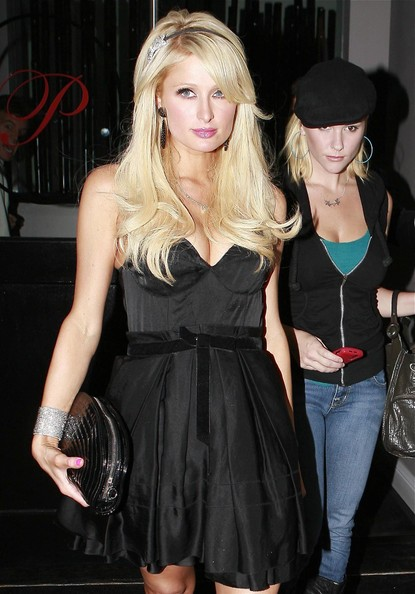 Nicky Hilton Vs Paris