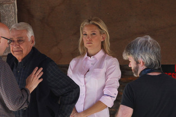 Phillip Baker Hall Kate Hudson On The Set Of Larry David's 'Clear History'