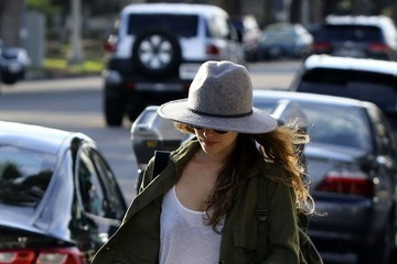 Rachel Bilson Rachel Bilson Goes Shopping In Studio City