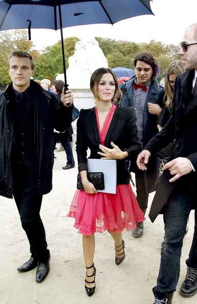 Rachel Bilson arrives at the Christian Dior show during the Paris Fashion Week Spring/Summer 2011.