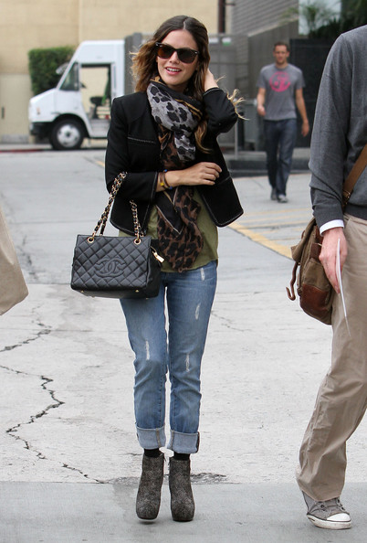 Actress Rachel Bilson spotted out and about with some friends in Los Angeles, CA.