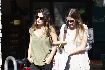 Rachel Bilson Rachel Bilson Shopping At CVS In Glendale