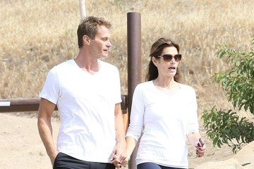 Rande Gerber Cindy Crawford & Rande Gerber Hiking In Malibu
