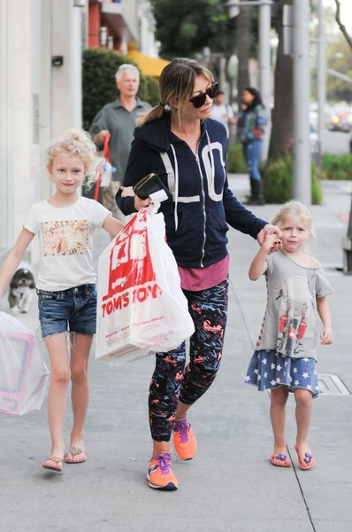 Rebecca Gayheart and Her Two Daughters Billie and Georgia Shop in Beverly Hills