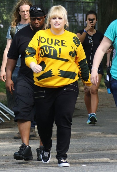 Rebel wilson photos photos stars on the set of how to be single stars on the set of how to be single ccuart Choice Image