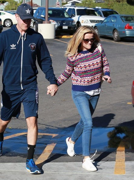 """""""Wild"""" star Reese Witherspoon and her husband Jim Toth out grocery shopping at Bristol Farms in Los Angeles, California on December 13, 2014. Reese recently expressed her joy about her Golden Globe nomination for her performance in 'Wild' saying, 'I'm extremely thankful that the film is being recognized in this way. 'Wild' is truly my baby and was a labor of love from the beginning. Cheryl Strayed was so brave in putting her life's journey into words and it makes me happy that this type of recognition will hopefully drive more people to experience it on film.'"""
