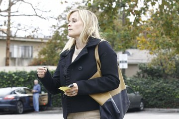 Reese Witherspoon Reese Witherspoon And Mindy Kaling Out For Lunch At Tavern