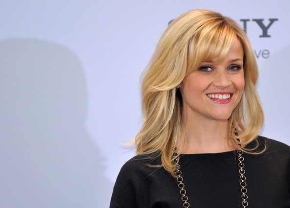 "Reese Witherspoon Actress Reese Witherspoon and actor Paul Rudd attend the ""How Do You Know"" photo call in Berlin."