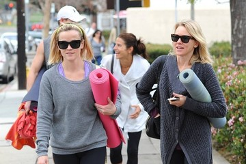 Reese Witherspoon Naomi Watts Reese Witherspoon and Naomi Watts Go to Yoga