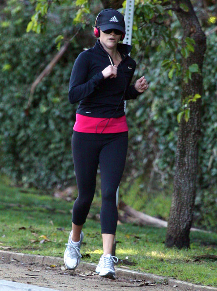Reese Witherspoon Jogging In Brentwood 2 []