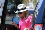 Reese Witherspoon Shops for Vintage Clothing