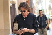 Rick Springfield Stops By A Doctors Office