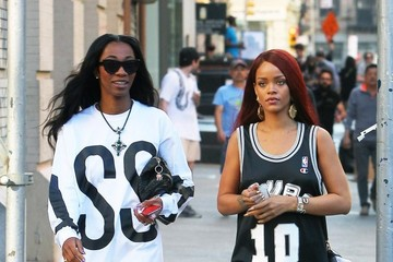 Rihanna Rihanna Out With a Friends in NYC