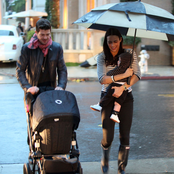 Robin Thicke and his wife Paula Patton out shopping with their son ...