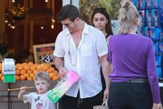 Robin Thicke & His Girlfriend Take His Son Grocery Shopping