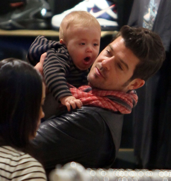 Robin Thicke Singer Robin Thicke and his wife Paula Patton out ...