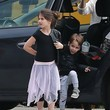Rocky Prinze Sarah Michelle Gellar Visits Brentwood Fire Dept With Her Children