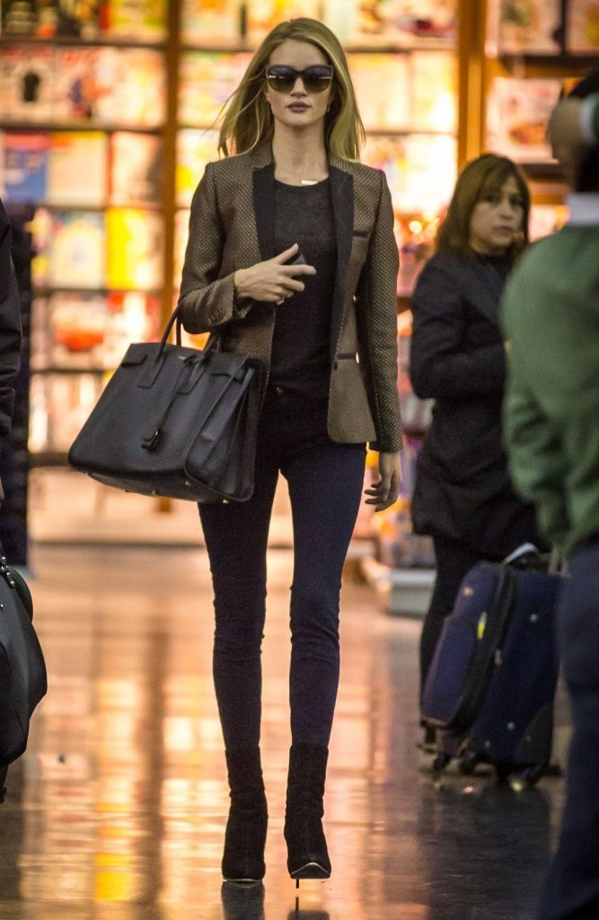 Rosie Huntington-Whiteley Arriving On A Flight In New York City