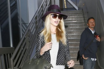 Rosie Huntington-Whiteley Rosie Huntington-Whiteley Arriving At LAX