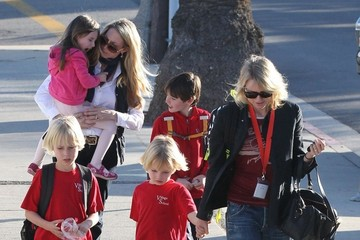 Samuel Schreiber Naomi Watts Picks Up Her Boys From School