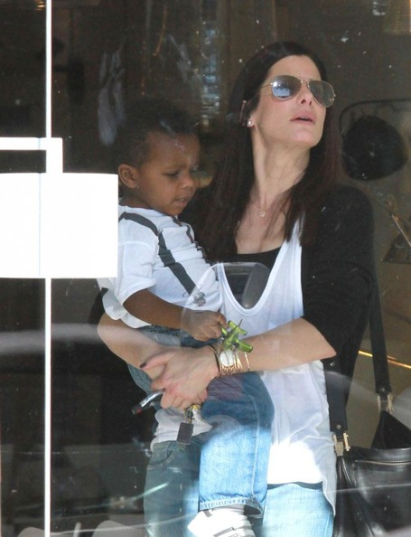 Sandra Bullock - Sandra Bullock & Louis Shop For Lights