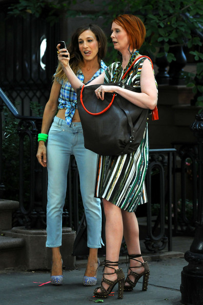 Sarah Jessica Parker & Cynthia Nixon On Set Of 'Sex And The City 2' 2