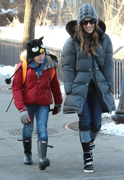 Sarah Jessica Parker Takes James To School In New York