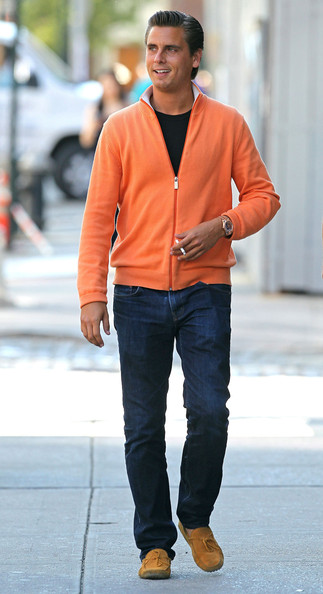 Scott Disick - Scott Disick Having A Cigarette After Lunch In New York