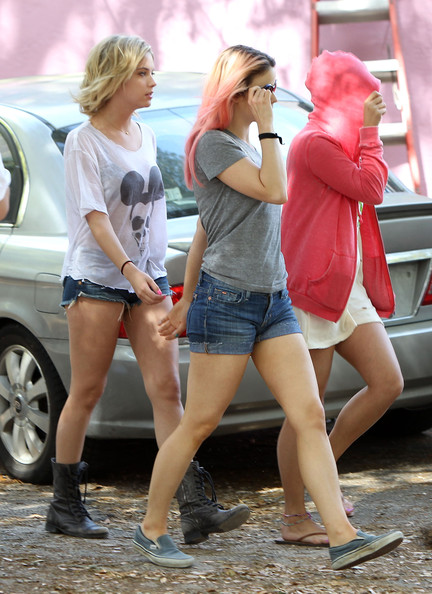 "Selena Gomez - Ashely Benson, Vanessa Hudgens and Selena Gomez on Set of ""Spring Breakers"""