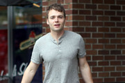 Actor Seth Gabel out grocery shopping in Vancouver, Canada.