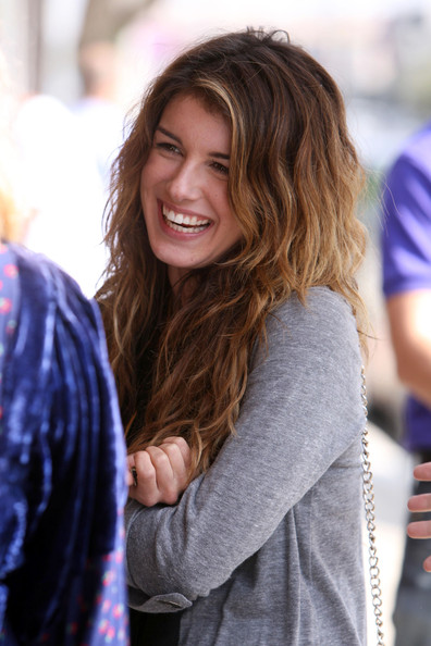 The Many Hairstyles of Shenae Grimes