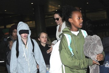 Shiloh Jolie-Pitt Angelina Jolie Arrives at LAX With All of Her Kids