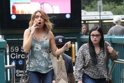 Stars are spotted filming scenes for the hit TV series 'Modern Family' in New York City, New York on August 25, 2016.<br /> <br /> Pictured: Ariel Winter, Nolan Gould, Sarah Hyland