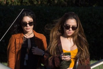 Stella Hudgens Vanessa & Stella Hudgens Visit Their Late Dad at the Cemetary