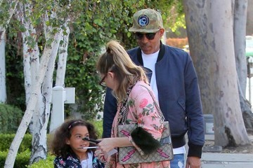 Stella Ivery Ellen Pompeo Goes To Au Fudge With Her Family