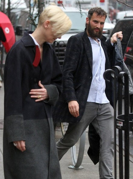 tilda swinton dating russisk gutters