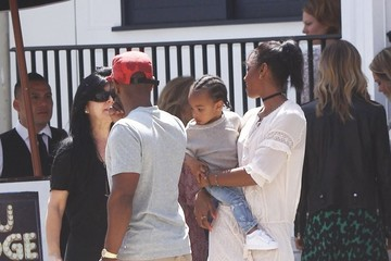 Tim Witherspoon Kelly Rowland Lunches With Family