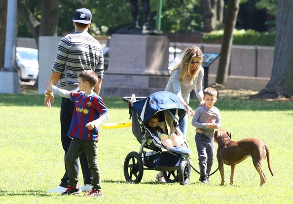 Tom Brady Family Photos Tom Brady Family Spend