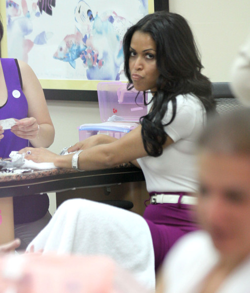 Tracey Edmonds Pictures - Tracey Edmonds Getting Her Nails ...
