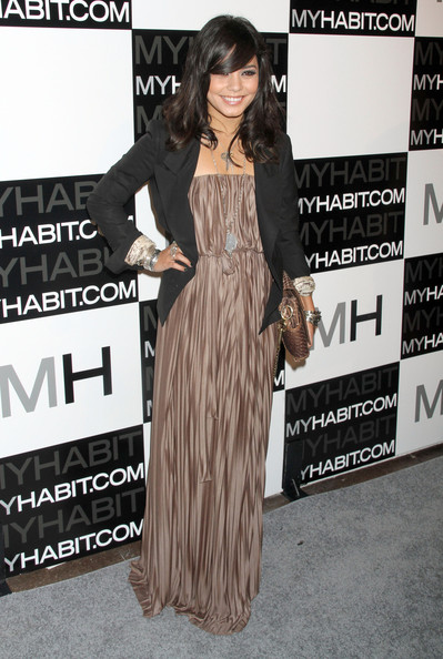 http://www4.pictures.zimbio.com/fp/Vanessa+Hudgens+MYHABIT+Launch+Party+NmZef4JjNhXl.jpg