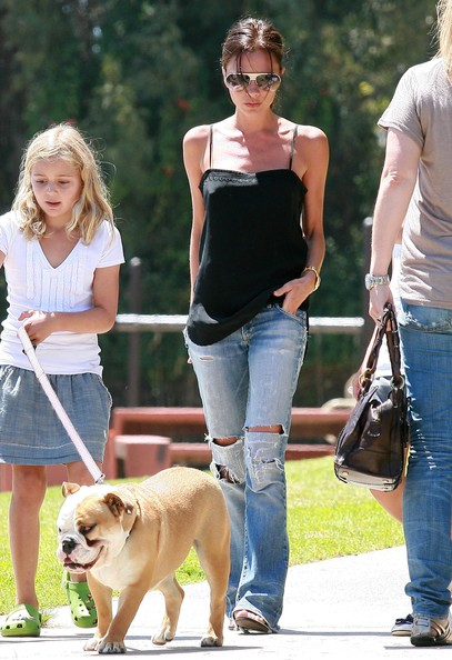 Victoria Beckham Taking Her Kids To The Park To Play Basketball []