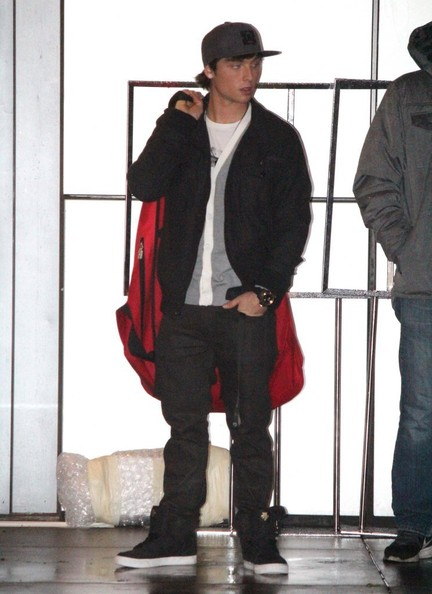 Wesley Stromberg Pictures Celebs Leave Jingle Ball 2012